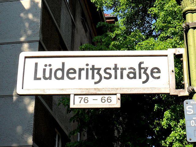 Strassenschild_luederitzstr_berlin